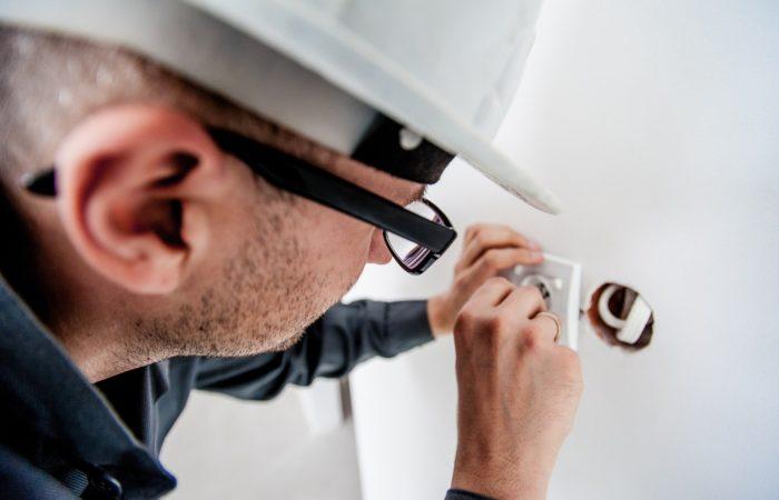 Formation habilitation électrique : Est-ce une obligation pour les salariés